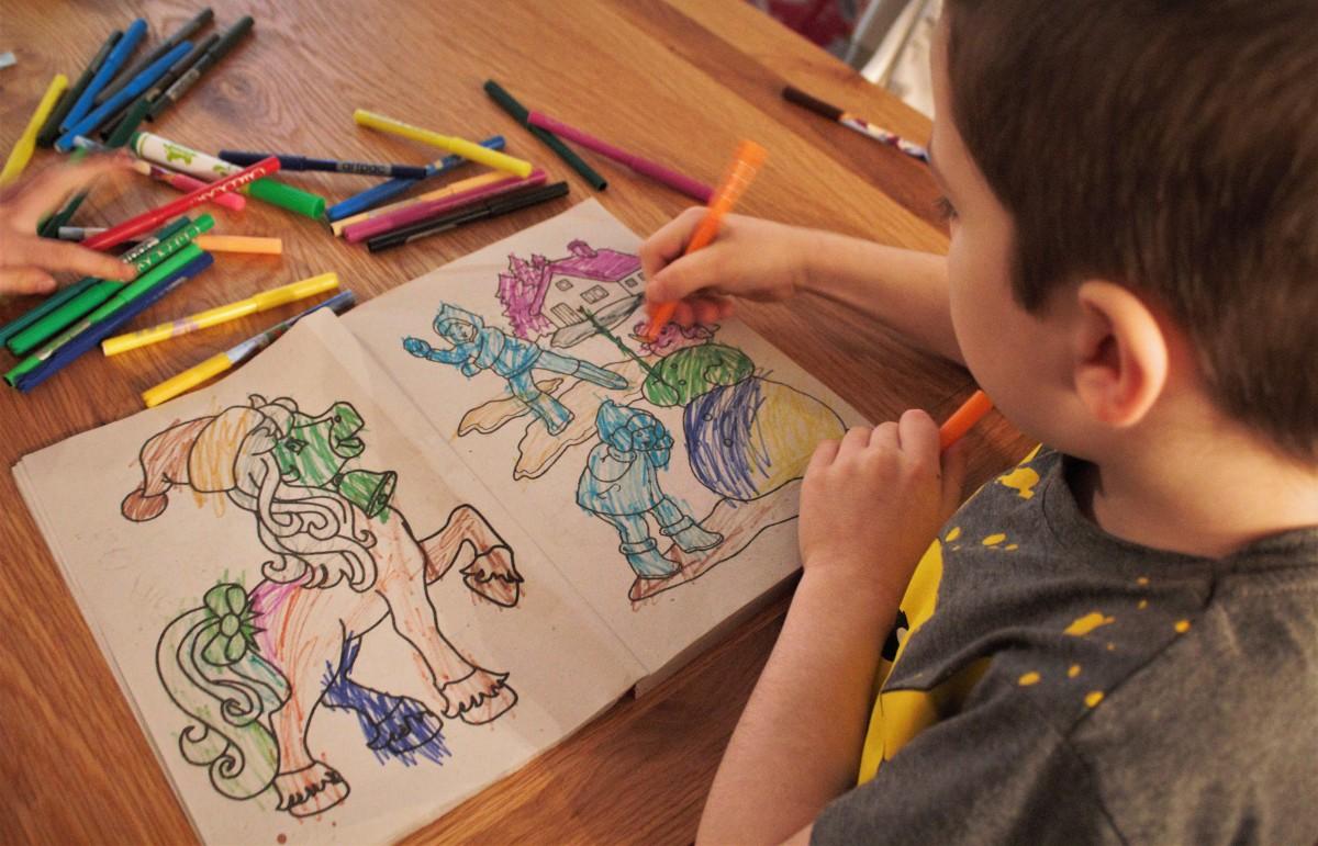Creative Kids & QuietColouring